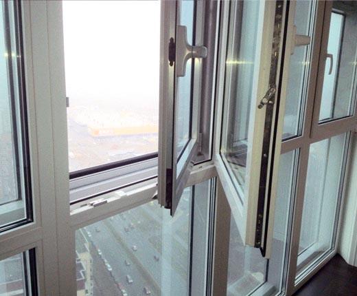 """Двойное остекление балкона вторым контуром компании """"пск кон."""